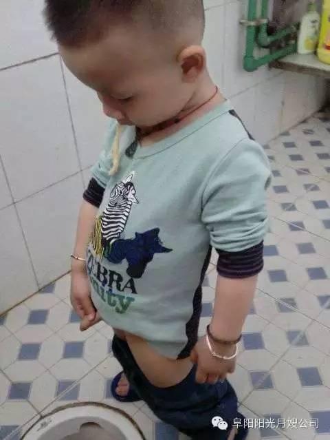 大鸡巴子日妈妈小�_男宝的妈妈必看:小鸡鸡的问题大全_水滴健康_水滴筹